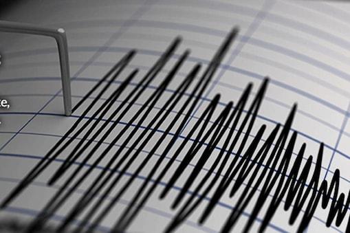 दिल्ली-एनसीआर में दोे महीने के भीतर भूकंप के 8 झटके महसूस किए गए हैं. इनमें शुक्रवार रात आया पहला झटका सबसे ज्यादा तीव्रता का था. (सांकेतिक तस्वीर(