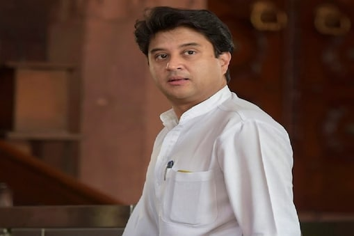 ज्योतिरादित्य सिंधिया के समर्थक 22 कांग्रेस विधायकों ने दिया था इस्तीफा (फाइल फोटो)
