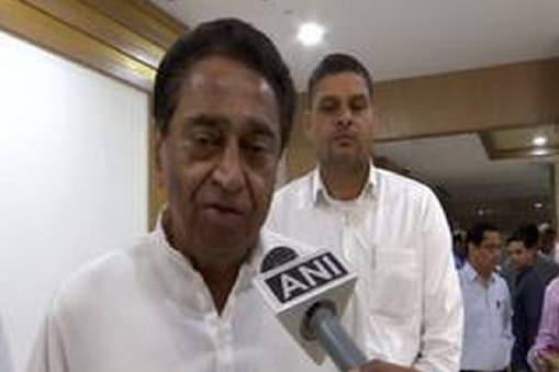 मुख्यमंत्री कमलनाथ इस्तीफा देने राजभवन पहुंच चुके हैं. (फाइल फोटो)