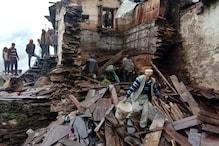 बारिश का कहर: तीन मंजिला ढहा, 2 बच्चों सहित 3 घायल, गाय की मौत