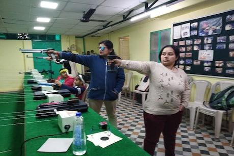 यूपी की 'शूटर दादी' की राह पर देहरादून में महिलाएं, 40+ की उम्र में लगा रहीं निशाना