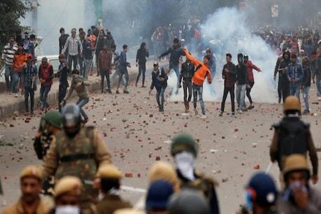 Delhi Violence: जामिया के छात्र आसिफ तन्हा को दिल्ली पुलिस ने किया गिरफ्तार