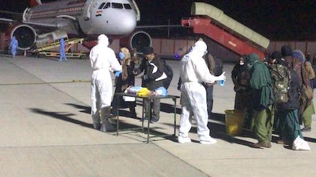 COVID-19: ईरान से 142 भारतीयों को लेकर जोधपुर मिलिट्री स्टेशन पंहुचा विमान