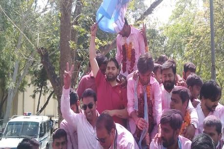 गुजरात यूनिवर्सिटी छात्र संघ चुनाव में कांग्रेस की छात्र इकाई NSUI का बजा डंका