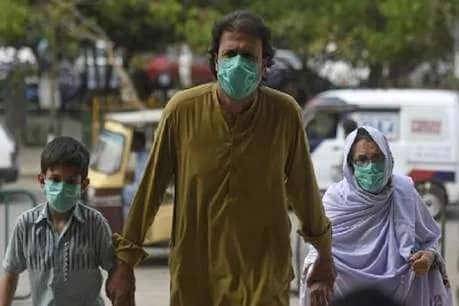 कोरोना: मास्क-दस्तानों की कमी से जूझ रहा PAK, कराची के हॉस्पिटल में 5 डॉक्टर हुए संक्रमित