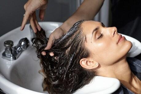 बालों को धोते हुए लोग करते हैं ये 5 गलतियां, हो सकता है बड़ा नुकसान