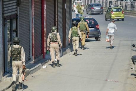 कोरोना वायरस: कश्मीर में जुमे की नमाज के लिए प्रतिबंध और कड़े किए गए