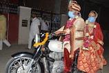 Lockdown: सीकर में अनोखी शादी, बाइक पर आया दूल्हा और दुल्हन को ले गया