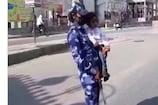 11 महीने के बच्चे को लेकर ड्यूटी कर रही है महिला सिपाही, DGP ने कही ये बात