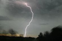 बरेली: आकाशीय बिजली गिरने से पिता-पुत्र सहित तीन की मौत, 4 लोग झुलसे