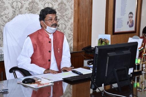 विधानसभा अध्यक्ष डॉ. चरण दास महंत के निर्देश पर विधानसभा में कंट्रोल रूम को स्थापित किया गया है