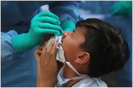 वर्ल्ड हेल्थ ऑर्गेनाइजेशन ने चेतावनी दी है कि सरकारें कोरोना वायरस से उबर चुके संक्रमितों को इम्यूनिटी पासपोर्ट जारी न करें.
