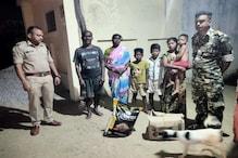 Lockdown के बीच मदद लेकर शहीद के घर पहुंची पुलिस, नम आंखों से मां ने कहा.....