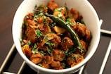 Recipe Video: हेल्दी स्नैक्स खाने के लिए बनाएं 'स्पाइसी सोया चंक्स'