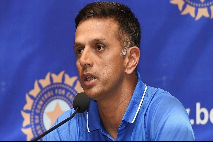 बता दें पीसीबी का ये कदम बिलकुल बीसीसीआई की तरह है. बीसीसीआई ने भी अपने भविष्य को संवारने का जिम्मा राहुल द्रविड़ को दिया है. राहुल द्रविड़ को बीसीसीआई ने इंडिया ए और अंडर 19 टीम का कोच नियुक्त किया.