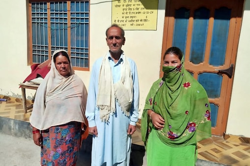 मंडी जिले का शख्स 16 साल बाद घर लौटा.