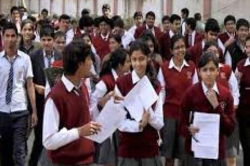 गृहमंत्री अमित शाह ने लॉकडाउन के दौरान बोर्ड परीक्षाएं करवाने की बात कही है.