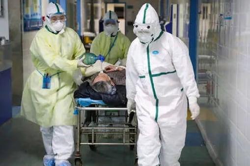 एक स्टडी के मुताबिक पुरुषों में कोरोना वायरस की वजह से मौत का खतरा महिलाओं की तुलना में दोगुना होता है.