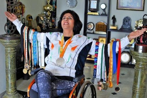 दीपा मलिक पूर्व भारतीय पैरा ओलिंपियन हैं