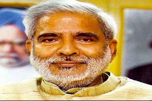 रघुवंश प्रसाद सिंह को पॉजिटिव पाए जाने पर पटना के एम्स अस्पताल के आइसोलेशन वार्ड में भर्ती कराया गया था (फाइल फोटो)