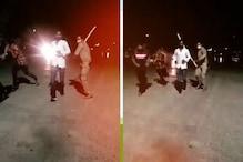 वाराणसी में फिर एक दरोगा बना सिंघम, युवक पर लाठी मारते TikTok वीडियो वायरल