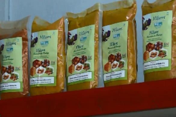 पहाड़ में जड़ी-बूटी सहित बहुत से हर्बल और ऑर्गेनिक उत्पाद होते हैं.