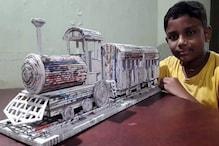 3 दिन में 33 अखबारों की की मदद से बनाया ट्रेन का मॉडल, रेलवे ने दी शाबासी