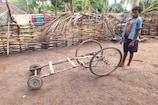 सुकमा: छोटी उम्र में किया कमाल, कबाड़ से 2 बच्चों ने बना दी ये स्पेशल गाड़ी