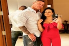 दिग्गज पहलवान ने पत्नी की न्यूड फोटो सोशल मीडिया पर शेयर की!