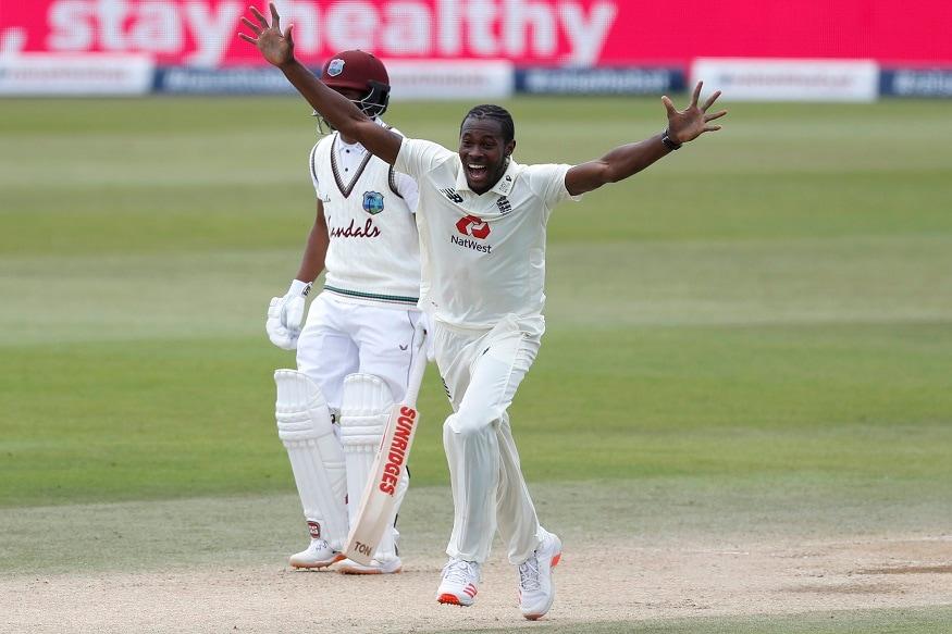 नई दिल्ली. इंग्लैंड के पूर्व कप्तान माइकल वॉन ने कहा है कि किसी तेज गेंदबाज के लिए लगातार 90 मील प्रति घंटा से अधिक की रफ्तार से गेंदबाजी करना 'असंभव' है लेकिन जोफ्रा आर्चर (Jofra Archer) को हमेशा उनकी टीम में जगह मिलेगी क्योंकि वह सटीक गेंदबाजी करने पर विरोधी टीम को ध्वस्त कर सकते हैं. आर्चर ने वेस्टइंडीज के खिलाफ पहले टेस्ट के अंतिम दिन 45 रन देकर तीन विकेट चटकाए लेकिन मेहमान टीम को साउथम्पटन में 200 रन का लक्ष्य हासिल करके चार विकेट से जीत दर्ज करने से नहीं रोक पाए.
