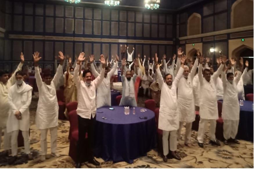 Rajasthan: पायलट और उनके समर्थक विधायकों के खिलाफ कार्रवाई का प्रस्ताव पारित Rajasthan- Jaipur- political crisis over Ashok Gehlot government- Legislature Party meeting- PPC Chief Sachin Pilot- motion passed against rebels