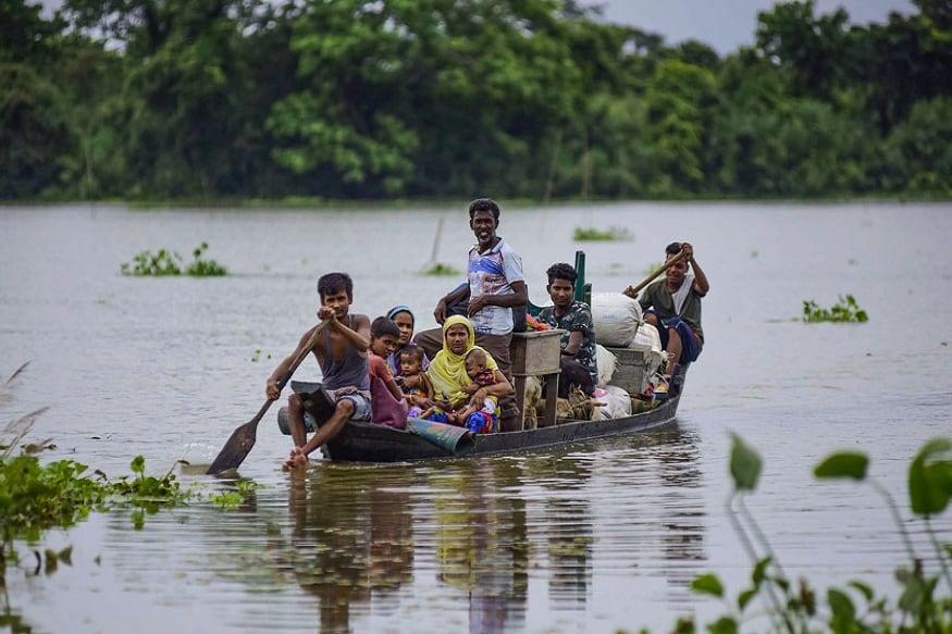 embankment destroyed in bihar, Floods in Bihar, disaster management, dam management, dam disaster, Dam failure, nitish kumar, बिहार में टूटा तटबंध, तटबंध से बाढ़, आपदा प्रबंधन, बांध प्रबंधन, बांध से आपदा, बांध की विफलता, नीतीश कुमार, हिमांशु ठक्कर, floods in Assam, असम में बाढ़, नदी, river