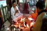 COVID-19: होम Quarantine भाजपा नेता पहुंचे हरिद्वार, मंदिर में की पूजा