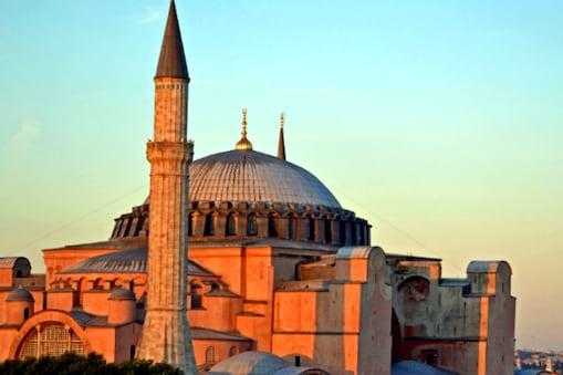 प्रेसिडेंट ने अपने एलान में कहा है कि म्यूजियम से मस्जिद बनने में लगभग 6 महीने लगेंगे