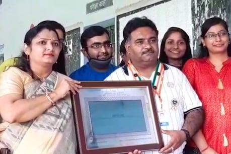 Lockdown हापुड़ के टीचर के लिए लाया खुशियां, इस वजह से इंडिया बुक ऑफ रिकॉर्ड में दर्ज हुआ नाम