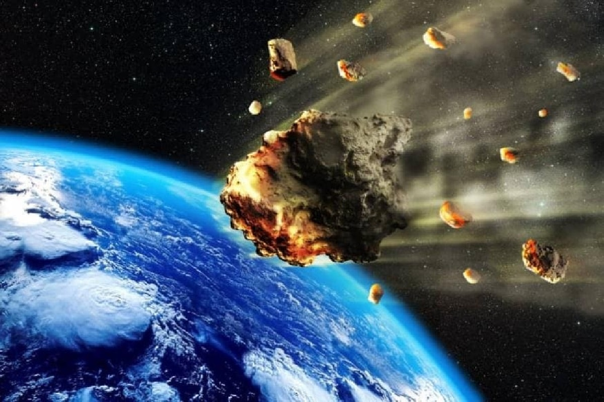 Earth, water, Asteroids