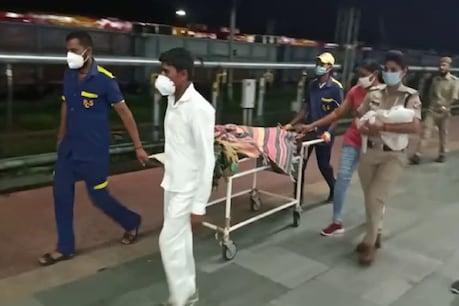 झांसी: '3 idiots' फिल्म की तर्ज पर महिला दरोगा ने ट्रेन में करवाई महिला की डिलीवरी, खुद ही काटी बच्चे की नाल