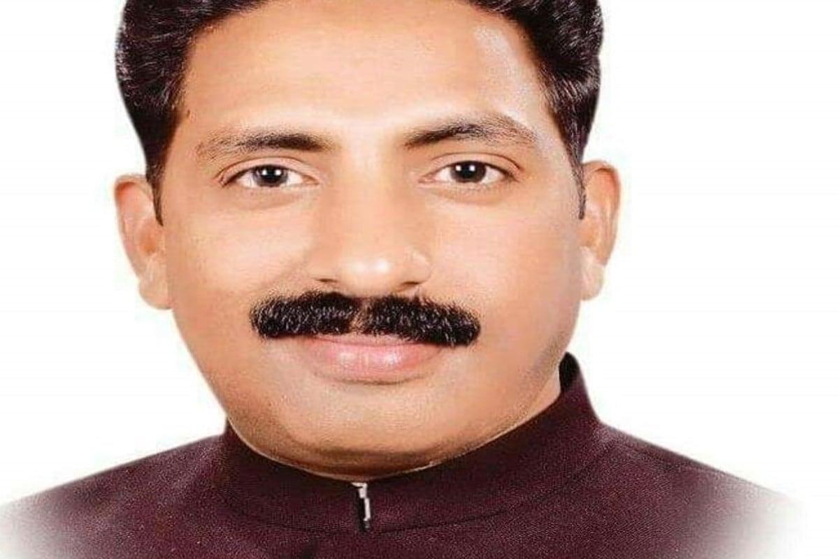 Rajasthan: थम नहीं रही सियासी तकरार, गहलोत गुट के विधायक के पीछे पड़े पायलट समर्थक Rajasthan- Jaipur-Bharatpur- political wrangling- Ashok Gehlot Vs Sachin Pilot- leg pulling in the area- Congress- MLA Jogendra Singh Awana