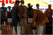 सिंधिया के कहने पर CM शिवराज ने अपने मंत्री को पहनाई चप्पल, देखें Video