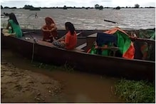 MP Flood Updates: न भोजन और न पानी, स्याह रात में नाव पर गुजारनी पड़ी रात, CM के बेटे के सामने छलका दर्द