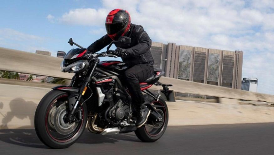 ब्रिटिश मोटरसाइकिल कंपनी ट्रायम्फ मोटरसाइकिल्स (Triumph Motorcycles) ने 'स्ट्रीट ट्र्रिपल आर' (Street Triple R ) पेश की. भारत में शोरूम पर इसकी कीमत 8.84 लाख रुपये से शुरू होती है.कंपनी ने एक बयान में कहा कि यह उसकी 'स्ट्रीट ट्रिपल आरएस' का ही वहनीय मॉडल है जो ज्यादा लोगों तक पहुच बनाने में कंपनी की मदद करेगा. 'स्ट्रीट ट्रिपल आरएस' की भारत में शोरूम कीमत 11.33 लाख रुपये है