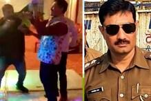 कानपुर के चर्चित पुलिस इंस्पेक्टर ने किया अपराधियों के साथ डांस, Video Viral