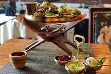 PHOTOS: मिट्टी के बर्तन में चखें बनारस का स्वाद, देसी स्टाइल का खाना विदेशों में भी फेमस