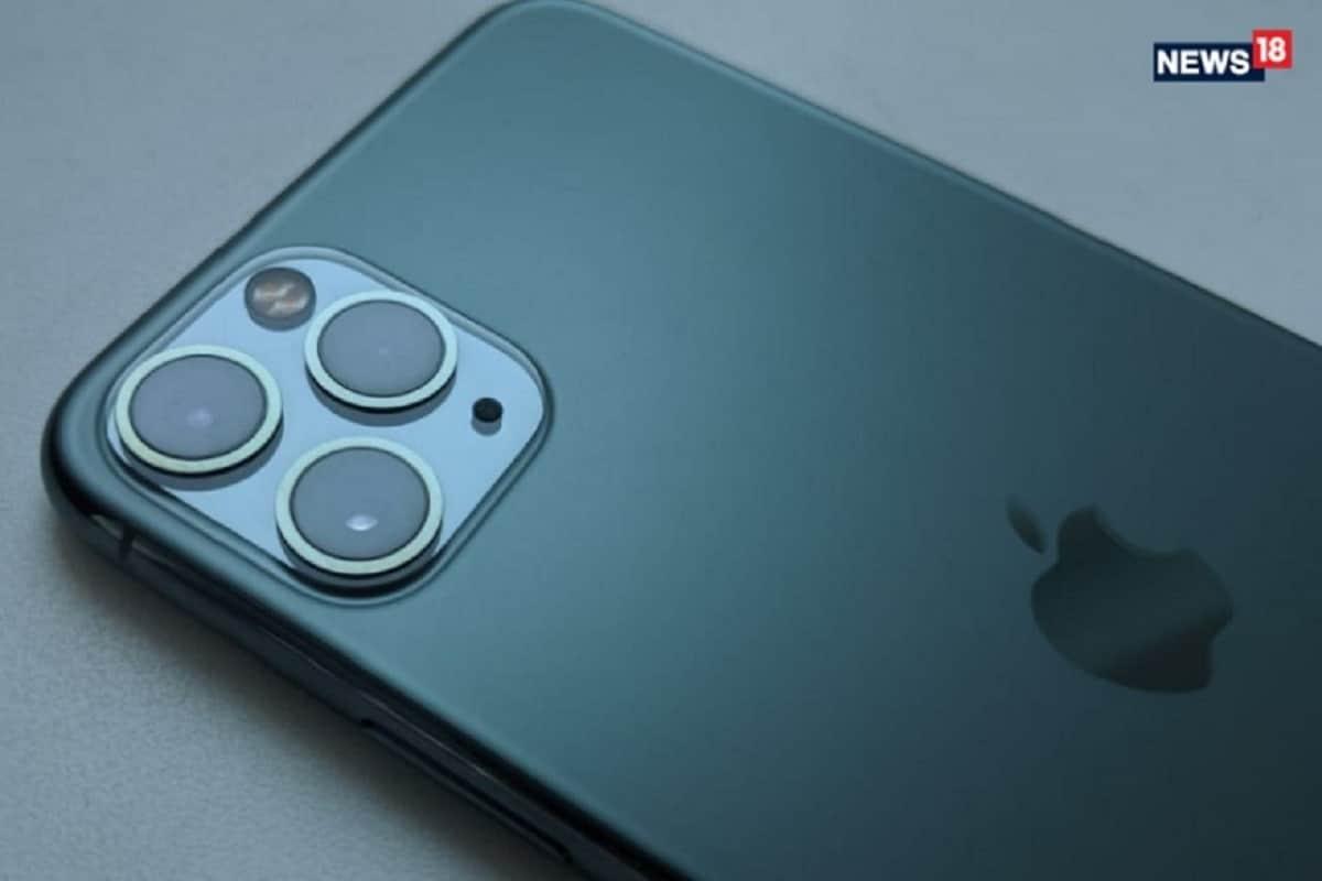 iPhone 11: ग्रेट इंडियन फेस्टिवल सेल के तहत अमेजोन iPhone 11 को 50,000 रुपये या इससे कम कीमत पर बेच सकता है. iPhone 11 को 68,300 रुपये के MOP पर बेचा जाता है, जिसका मतलब यह है कि अमेजोन डील iPhone 11 को बहुत कम कीमत पर दे रही है. आप इस सौदे को छोड़ना नहीं चाहेंगे. iPhone 12 के लिए इंतजार करने के बजाय आप इसे खरीद सकते है.