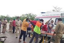 यमुना एक्सप्रेसवे पर खड़ी बस में तेज रफ़्तार कैंटर ने मारी टक्कर, 4 की मौत
