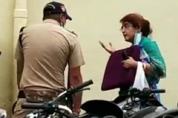 पिछले साल फ़र्ज़ी वीज़ा लेकर भारत में घुसते समय पकड़ी गई यह महिला फ़िलहाल ज़मानत पर है.