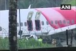 केरल हादसा LIVE: एयर इंडिया प्लेन क्रैश में 18 की मौत, कोझीकोड जाएंगे पुरी