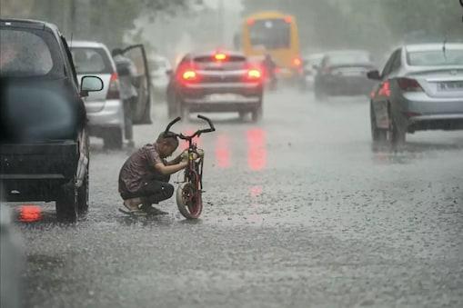 मौसम विभाग ने यूपी में आज 21 जिलों बारिश का अनुमान जारी किया है. (सांकेतिक तस्वीर)