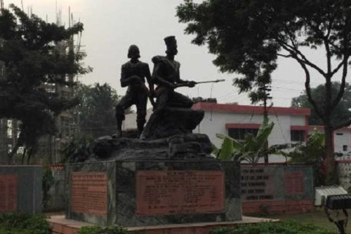 1857 के स्वतंत्रता संग्राम में शहीद हुए भारतीय सैनिकों की याद में यह स्मारक बनाया गया था. (फाइल फोटो)