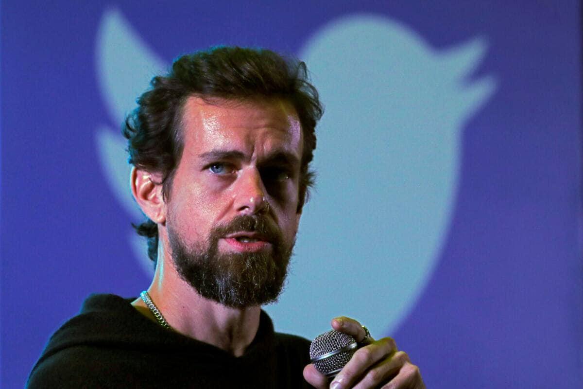 ट्विटर (Twitter) के सीईओ जैक डोरोसी ने राहत के प्रयासों और दूसरे कामों के लिए 100 करोड़ अमेरिकी डॉलर के दान का एलान किया है. यह उनकी संपत्ति का करीब 21.74 फीसदी है.